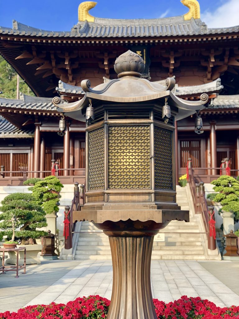 Chi Lin Nunnery Hong Kong.4 Days in Hong Kong: Markets and Monasteries  www.thedancingcircustraveller.com